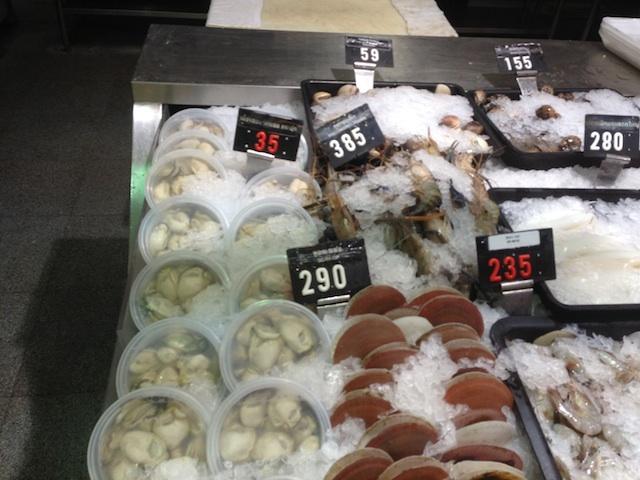 スーパーの牡蠣(タイ)